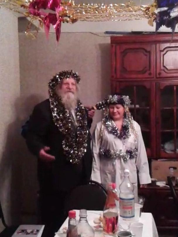 РНАН приветствуют Дед Мороз и Снегурочка